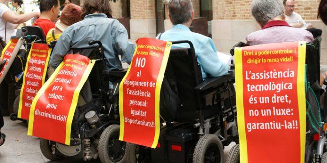 Membres de la OVI de Barcelona en un acte reivindicatiu