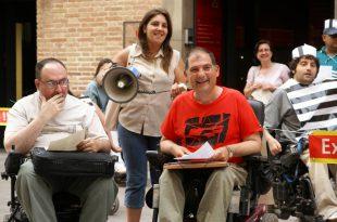 Miembros de la OVI de Barcelona durante un acto reivindicativo