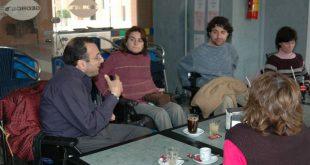 Javier Romañach junto a miembros de la OVI